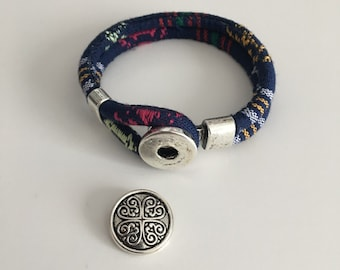 Ethnic bracelet double fabric with metal button clasp
