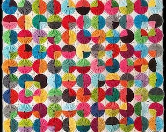 Yo-Yos a la Mode: printed quilt pattern