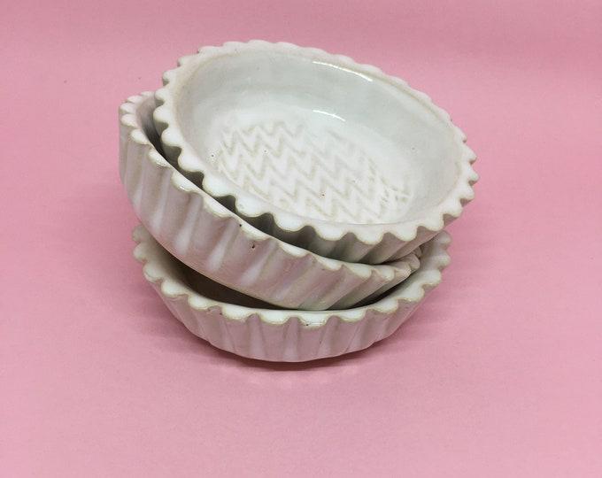 Retro mini pie dish