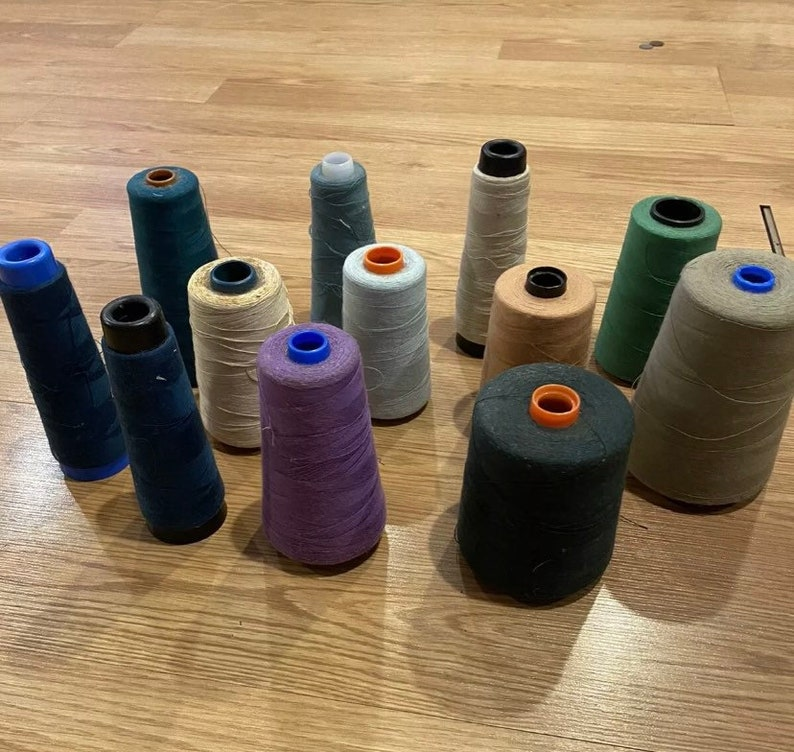 Embroidery Thread  26 embroidery spools And 13 Crewel Wool Lot Of 100