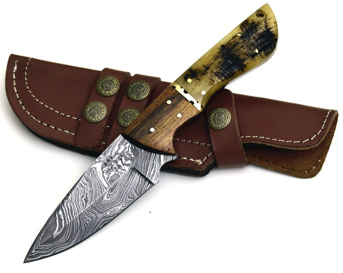 "Damascus steel hunting knife 9.0"" utility knife with RAM'S horn, walnut wood, brass inlay Damascus knife skinning Skinner knife Damascus"