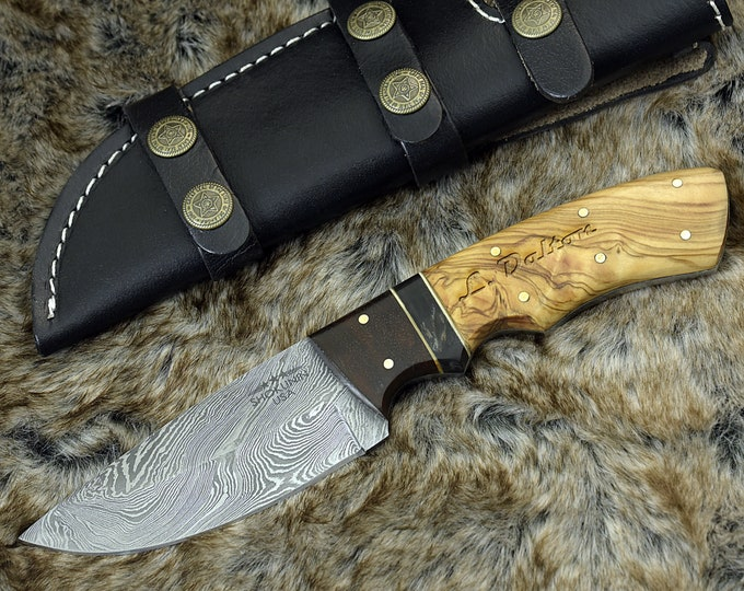 "9.0"" Custom Damascus knife, hunting knife, Damascus steel skinning knife tactical camping utility knife with Olive wood rose wood bull horn"