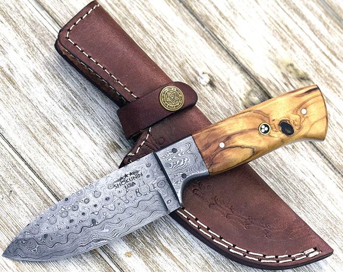 "DAMASCUS KNIFE, CUSTOM hunting knife, 8.0"" ,Hand Made, Damascus steel hunting knife, Damascus Guard, Exotic olive wood scales"