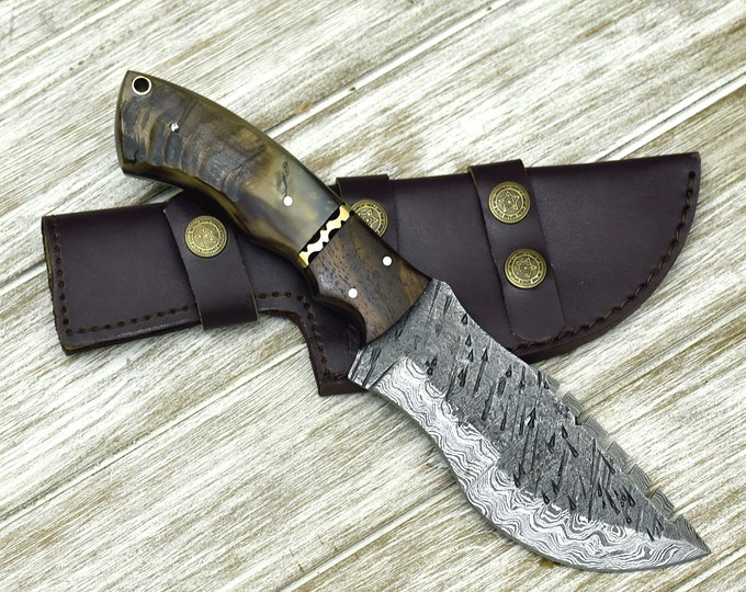 "10"" Custom, DAMASCUS KNIFE, tracker knife, Damascus steel knife, hunting, ram horn & walnut wood handle, leather sheath"