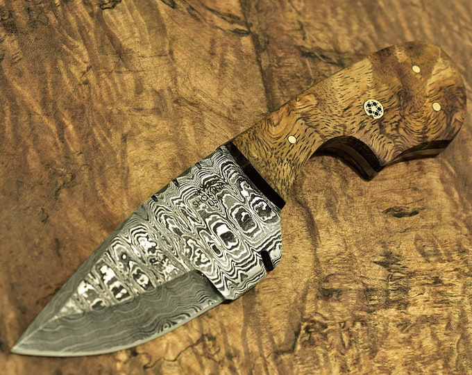 "7-1/2"" DAMASCUS KNIFE, Damascus Steel Skinning Knife 7-1/2"", Camel bone Brass & wood inlay handle damascus"