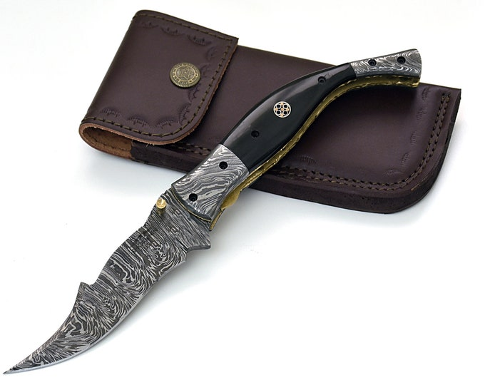 "POCKET KNIFE, 9.5"", custom, folding knife, Damascus folding knife, Damascus pocket knife, folding pocket knife, Buffalo horn scales"