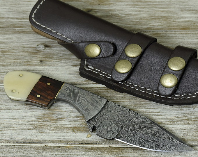 Personalize CLASSIC, HAND FORGED Damascus steel hunting knife with Damascus huard and leather sheath