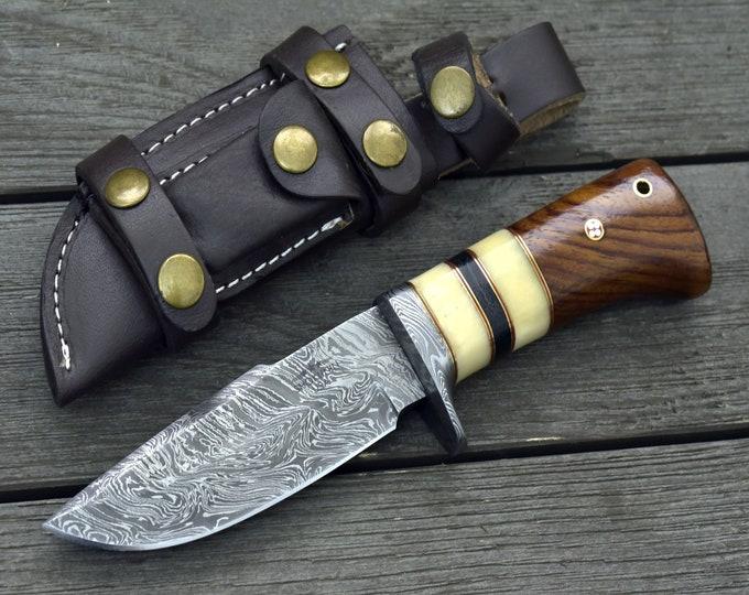 "DAMASCUS HUNTING KNIFE, Custom Damascus knife, 9.0"" ,Hand forged, Damascus steel knife, Damascus Guard, Walnut wood handle"