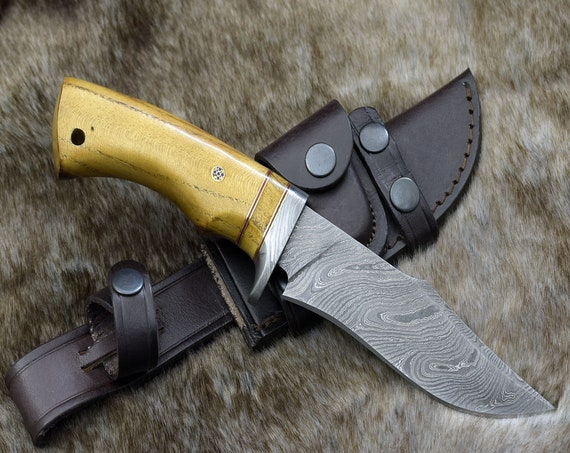 """DAMASCUS KNIFE, CUSTOM Bowie knife, 10.0"""" ,Hand Made, Damascus steel hunting knife, Damascus Guard , Exotic Yellow Heart Wood, full tang"""