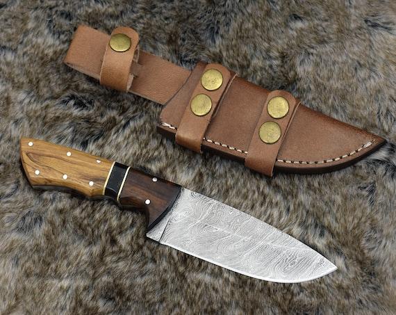 "9.25"" Custom, Personalized DAMASCUS KNIFE, hunting knife, Exotic Rose wood olive wood bull horn handle, Hand stitched leather sheath gift"
