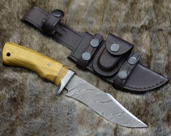 HUNTING KNIFE, DAMASCUS Bowie knife, 10.0 ,Hand Made, Damascus steel hunting knife, Damascus Guard , Exotic Rose Wood, full tang