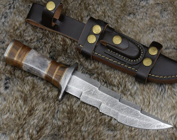 "DAMASCUS HUNTING KNIFE, Custom Bowie knife, 11.5"" ,Hand forged, Damascus steel knife, Damascus Guard & Pommel, Exotic wood"