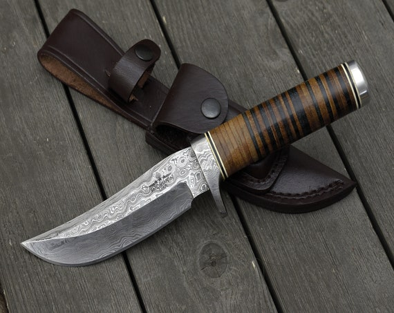"DAMASCUS KNIFE, Custom Damascus steel knife, 10.5"" ,Hand forged, Damascus Bowie knife, Damascus Guard, Full Tang, Stacked Leather Handle"