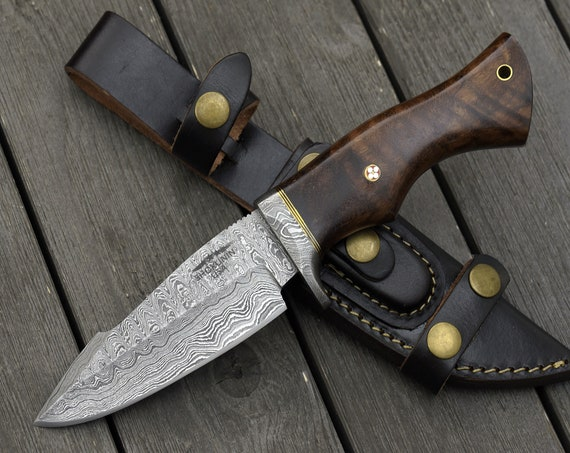 "DAMASCUS HUNTING KNIFE, Custom Damascus knife, 10.5"" ,Hand forged, Damascus steel knife, Damascus Guard & Pommel, Bowie knife"
