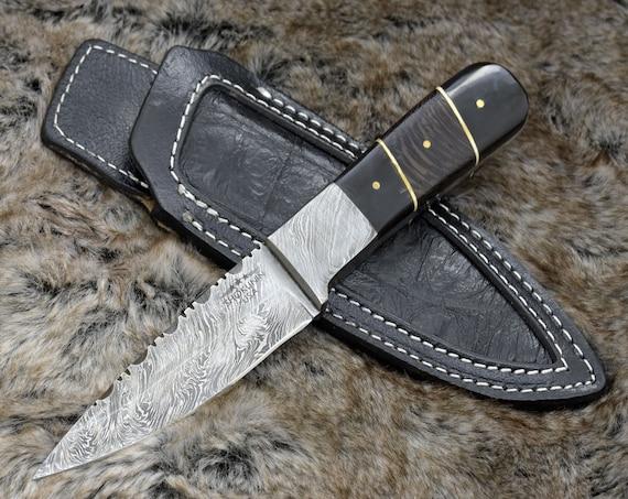 "DAMASCUS HUNTING KNIFE, Custom Damascus knife, 9.0"" ,Hand forged, Damascus steel knife, Damascus Guard, Exotic Wenge wood & bull horn handle"