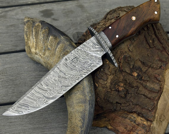 Personalize Hand forged damascus steel hunting knife CLASSIC BOWIE KNIFE Exotic Rose Wood Handle Damascus steel knife Leather Sheath