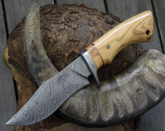 """DAMASCUS KNIFE, CUSTOM Bowie knife, 10.0"""" ,Hand Made, Damascus steel hunting knife, Damascus Guard , Exotic Olive Wood Handle, full tang"""