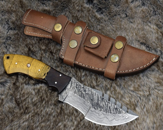 "DAMASCUS HUNTING KNIFE, 10.5"", Custom Tracker Knife, Damascus steel knife, Exotic Yellow Heart & Walnut wood handle, leather sheath"