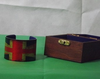Union Jack Velvet Lined Cuff Bracelet With Lined Wooden Box