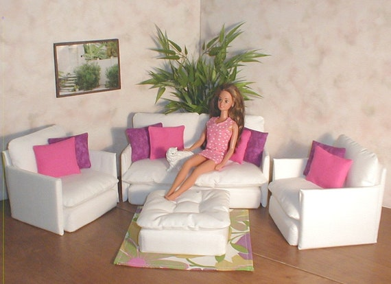 Barbie Doll Furniture White Living Room Set w/ Pink and Purple pillows Fun  Flower Rug Bratz Monster High Blythe couch chair