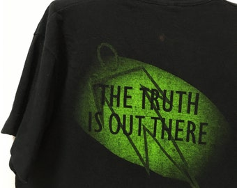 The X Files THE TRUTH IS OUT THERE Licensed Women/'s T-Shirt All Sizes