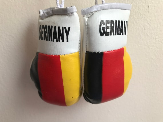 CANADA COUNTRY FLAG MINI BOXING GLOVES . NEW