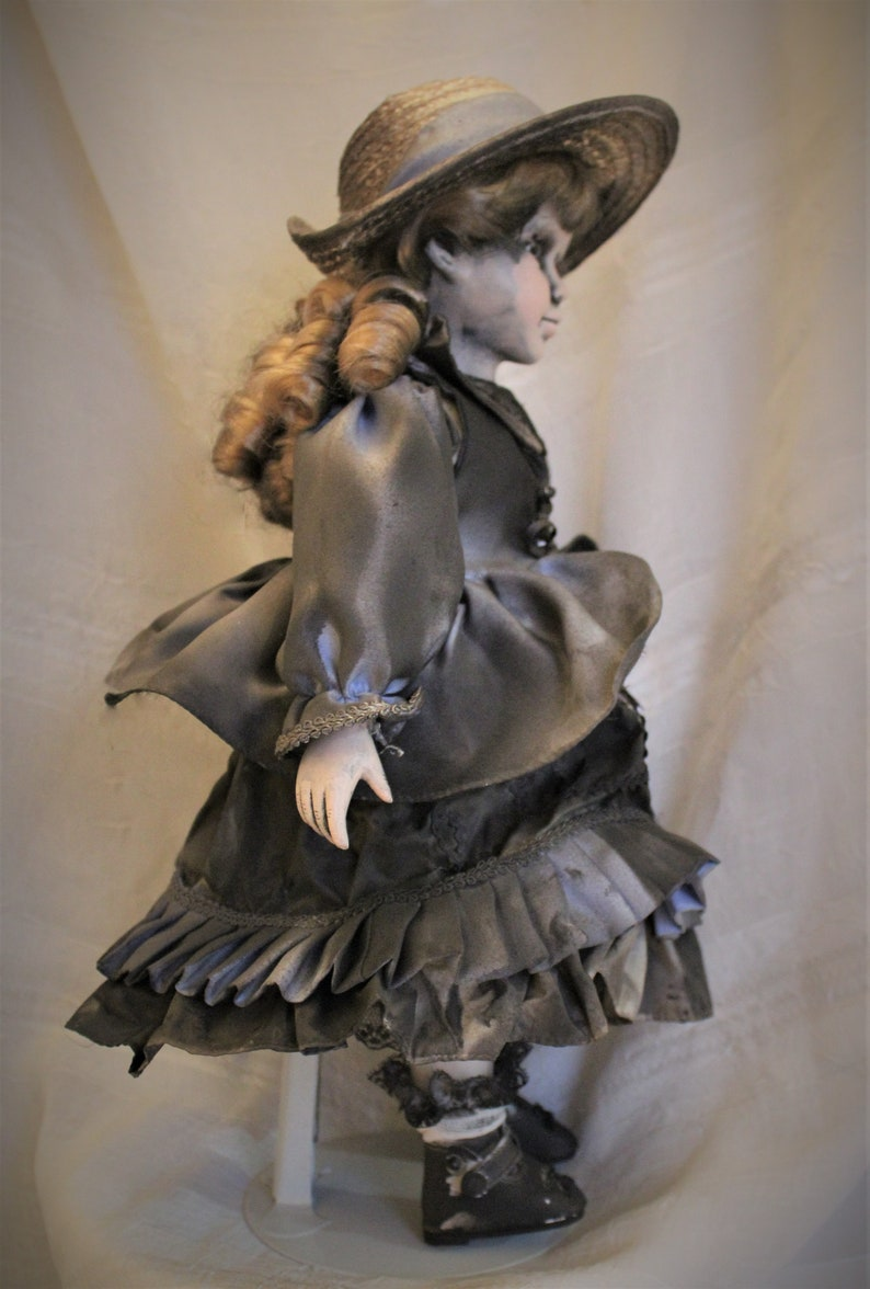 Mae Starling/'s Hollow Doll