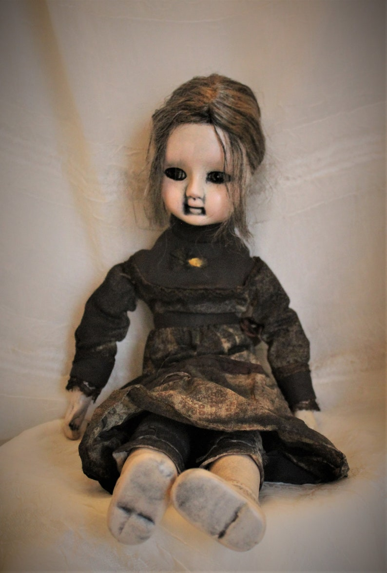Traci Starling/'s Hollow Doll