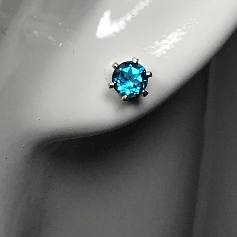 London Blue Topaz AA Grade Sterling Silver Stud Earrings - 4mm London Blue  Topaz Sterling Silver Studs - London Blue Topaz Earrings - Studs