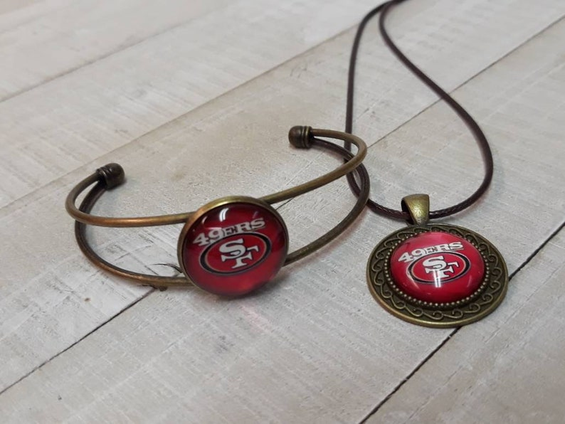 San Francisco 49ers Bracelet and Necklace Set.