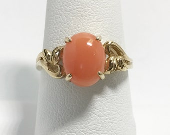 Vintage Salmon Gem 14k Gold Ring
