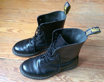 Doc Martens boots, boat docs, 10 hole Black, Gr. 41/UK 7 as New