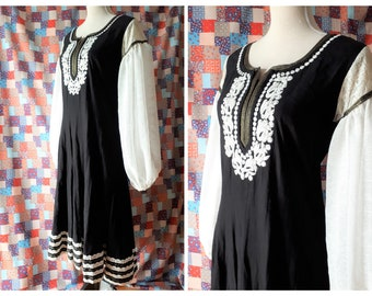 Vintage 1970s Embroidered Midi Dress Bishop Sleeves Size Small To Medium