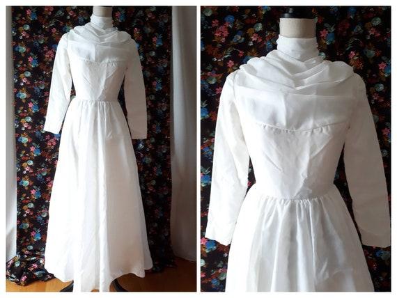 Vintage 1970s Cowl Neck Wedding Dress Size XS