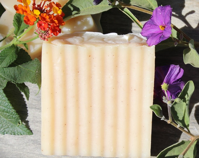 Dragons blood bar soap. Promotes skin healing, reduce apparance of  scars, tightens skin promotes growth new skin cells
