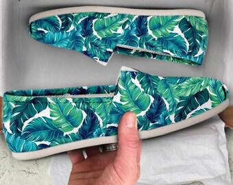 51b04eadb4 Tropical shoes