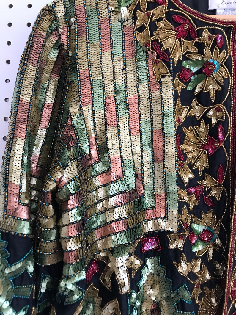 Queen bee! Insaine sequin cropped blazer