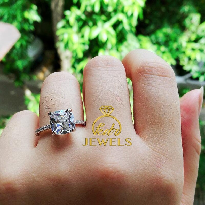 2.0Ct Round Brilliant Cut Moissanite Halo Engagement Ring 14k Solid White Gold Ring Christmas Best Wedding Ring Promise Ring  Oval Rings
