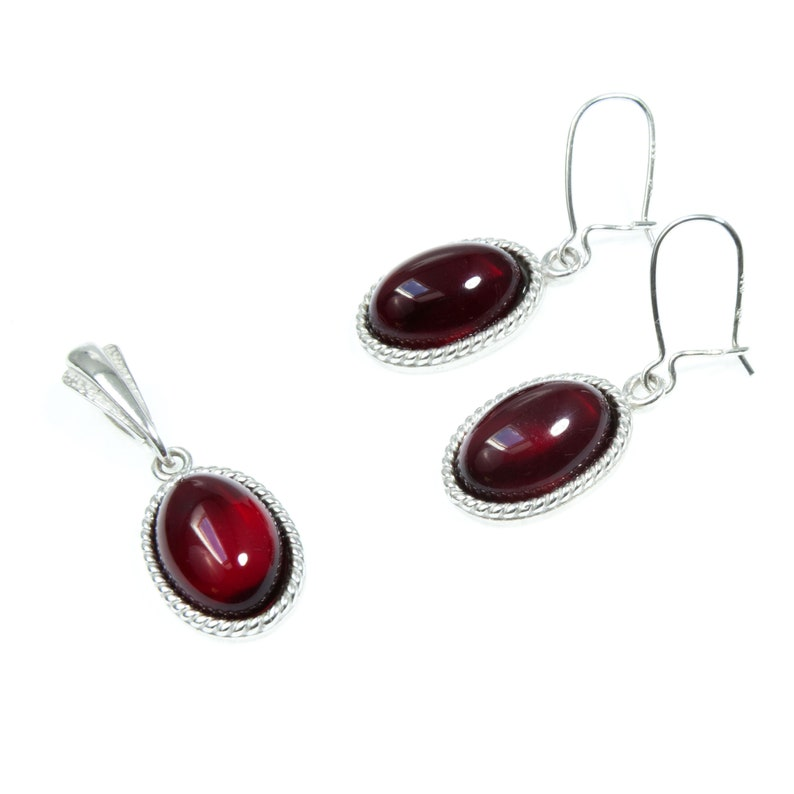 Classic Elegant Stylish Jewelry Set for Her Sterling Silver Cherry Red Amber Cabochon Pendant Necklace Silver Amber Subtle Necklace