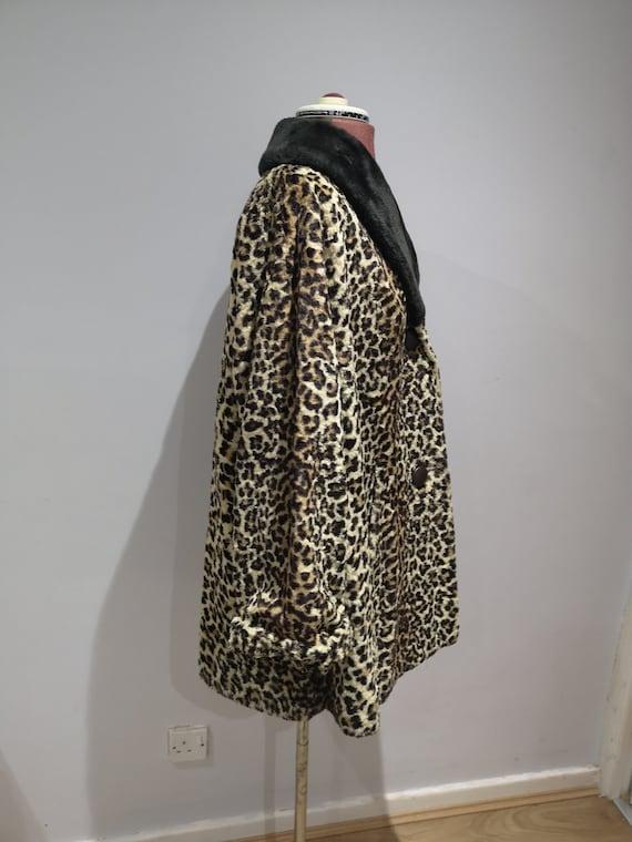 1960's leopard print coat, 60's faux fur coat, vi… - image 7