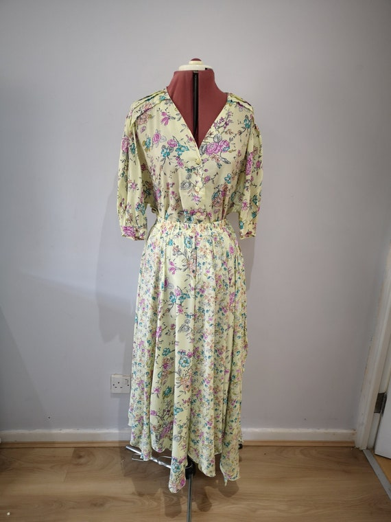 1980's floral skirt and blouse set. 80's gypsy ski