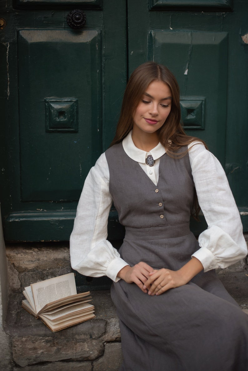 Victorian Edwardian Tea Dress and Gown Guide Linen Sundress $177.00 AT vintagedancer.com