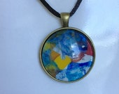 fun colourful unisex pendant necklace, comfortable unique everyday artisan jewelry, round glass blue necklace