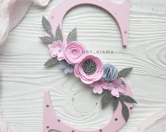 Baby name sign for blush pink nursery decor - Felt flower letter sign - Wood floral letter for twins nursery - Personalized baby shower sign