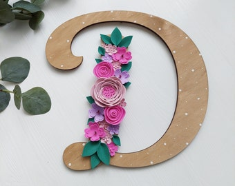 Wooden letter D - Floral wall letter - Custom name sign - Nursery name sign - Wall letter with flowers - Wooden monogram - Wooden initial