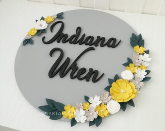 Round nursery sign - Nursery name sign - Round wood name sign - Wooden name sign - Gray yellow nursery wall decor - Personalized baby gift