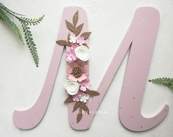 Wooden letters - Floral letter - Baby name sign - Nursery name sign - Wall letter with flowers for blush pink nursery - Girl door sign
