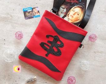"Handbag worn shoulder strap ""Bloody Slayer"" inspired Buffy the vampire slayer BTVS Sarah Michelle Gellar Comics Series Geek fashion"