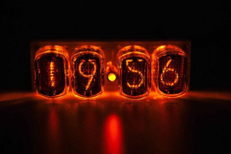nixie tube clock in 12 amber, nixie clock, tube clock, nixie tube clock,  nixie tube clock kit,nixie tube clock diy, vacuum tube clock