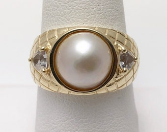 Classy Mabe Pearl 14k Gold Ring (1144D)